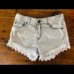 Free people - Lace jean shorts size 26